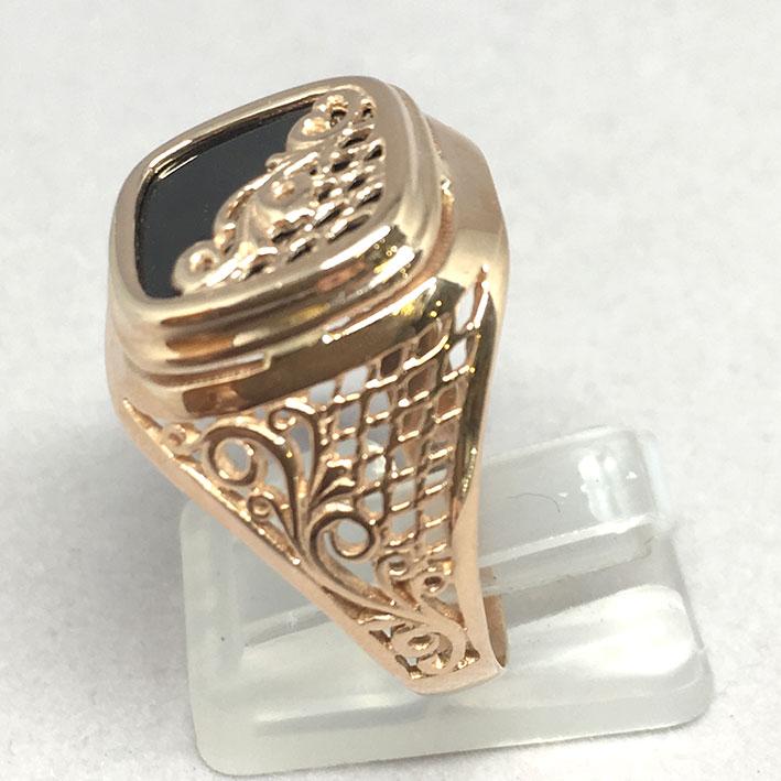 แหวนทองชาย Dandy 9k ฉลุลาย ประดำหินนิลดำ ตัวเรือนทอง Pink gold 375 น้ำหนักทองช่างรวม 7.3 กรัม ขนาดวง 4