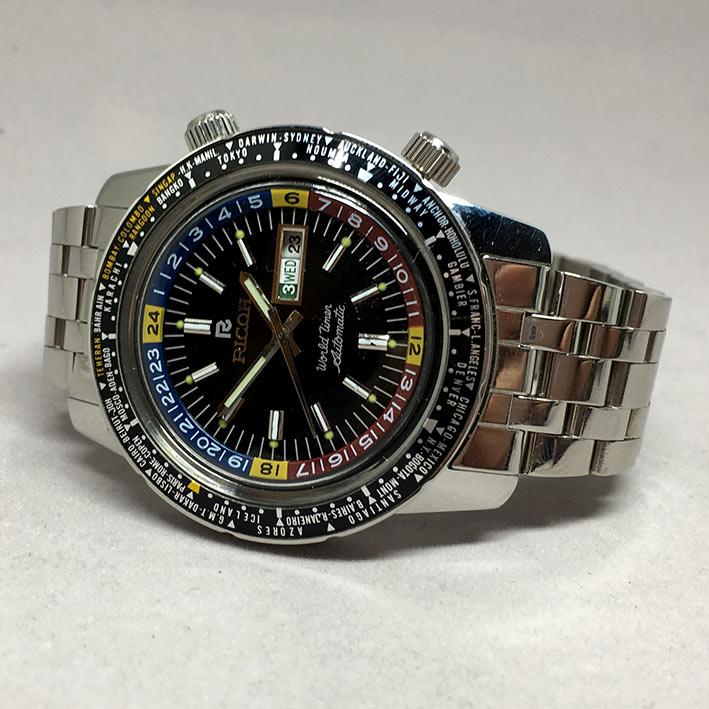 Ricoh World Timer Automatic Day/Date For man Size 43mm หน้าปัดดำบอกวันและวันที่ตำแหน่ง 3 นาฬิกา กระจ