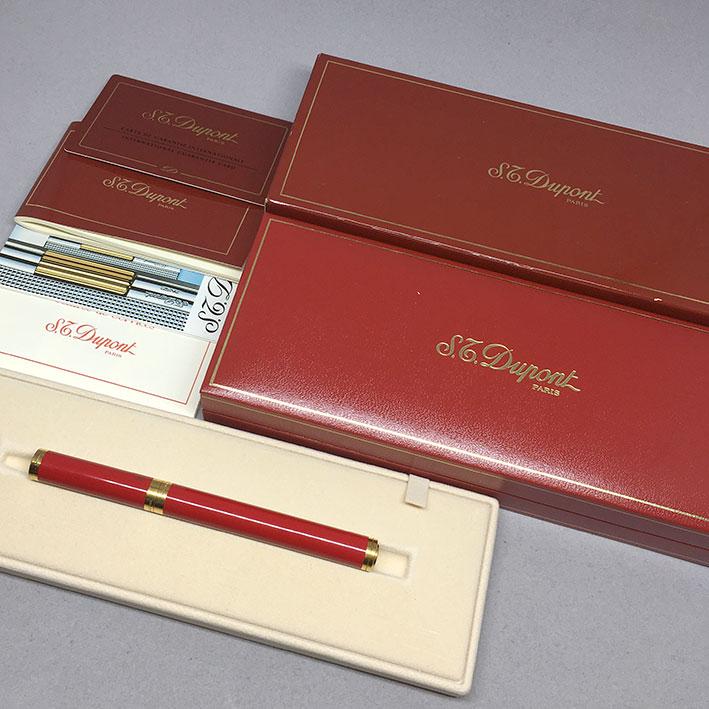 ปากกาหมึกซึม DUPONT LES CLASSIQUES ตัวเรือนเคลือบแลคเกอร์แดง ขนาดตัวด้ามยาว11.5cm  สภาพสวยกล่องใบอุป