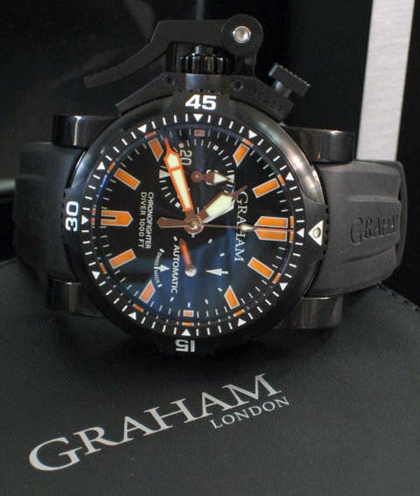 Graham Chronofighter Oversize Diver Deep Orange Stahl size ขนาด 47mm หน้าปัดดำพิมพ์พรายน้ำส้ม บอกวัน 7