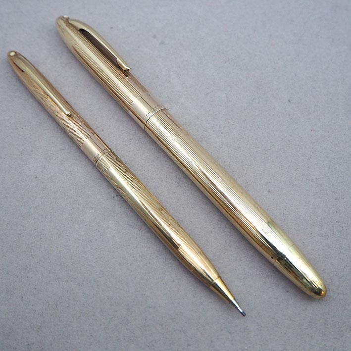 ปากกาคอแร้ง SHEAFFER\'S 1957-9 Sheaffer Snorkel Triumph ปลายปากเป็นทอง14k (750) ตัวด้ามและชุดเหน็บเค