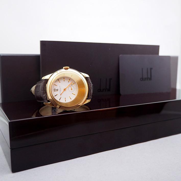 Alfred Dunhill X Centric Limited edition xxx/250 18k Rose Gold for man size 40mm หน้าปัดขาวประดับหลั