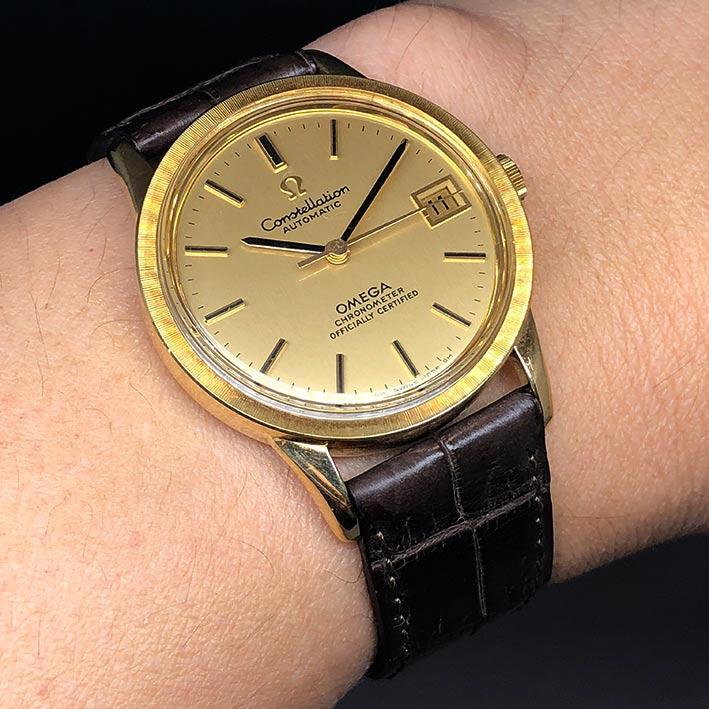 OMEGA Costellation date 1970 chronometer 18k gold ขนาด 34mm หน้าปัดเหลืองทองประดับหลักเวลาขีดทองลงยา