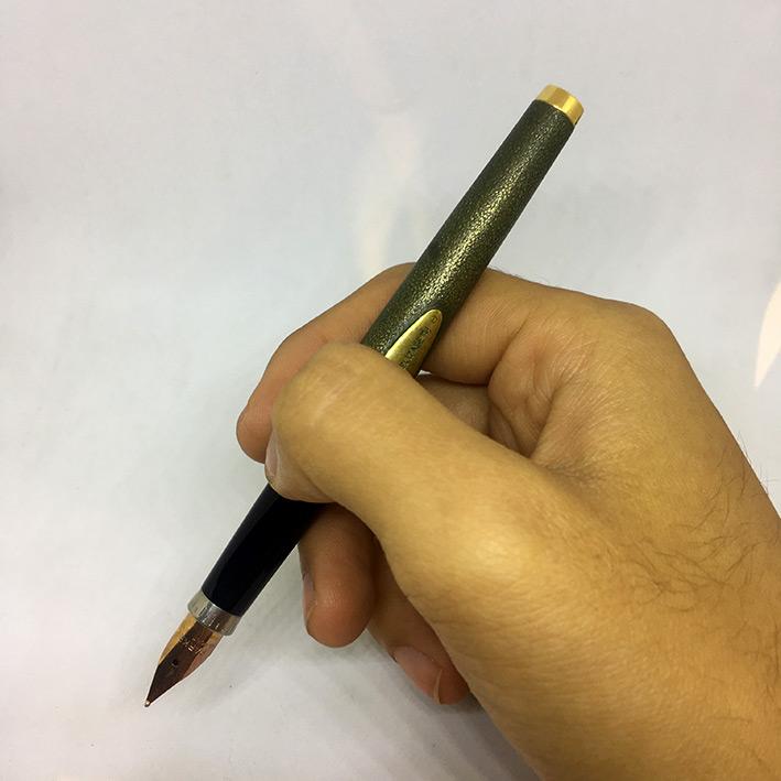 PARKER 75 R.M.S. QUEEN ELIZABETH Limited Edition 3977 / 5000 Fountain Pen ปากเขียนทองชมพู 14k 585 วั 9