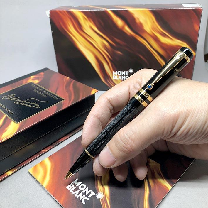 ปากกาหมึกแห้ง MONTBLANC ปี 1997 Limited 0308 / 8000 DOSTOEVSKY ตัวด้ามอครีลิคดำแกะลาย พร้อมชุดเหน็บเ
