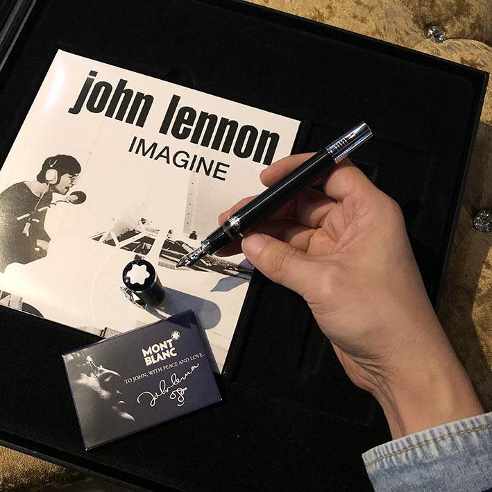 MONTBLANC JOHN LENNON Spacial Edition Fountain Pen ปลายปากกาทอง 18k (750) ตัวด้ามอครีลิคดำกลึงลายเส้ 6