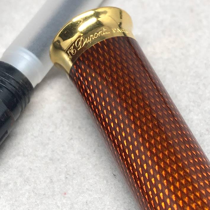 ปากกาหมึกซึม DUPONT LAGUE DE CHINE ตัวเรือนเคลือบแลคเกอร์แดงลาย ขนาดตัวด้ามยาว14 cm  สภาพสวยกล่องใบอ 5