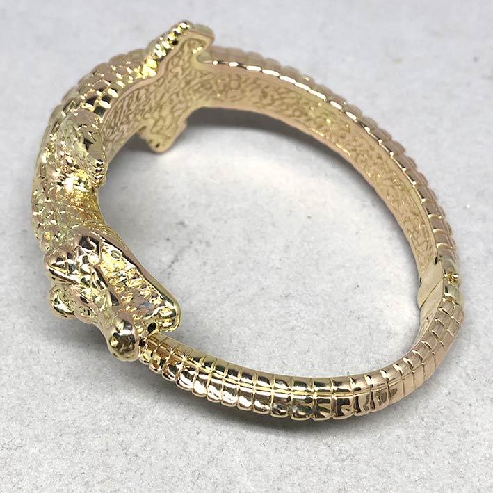 กำไลทองคำ 14k รูปทรงจระเข้ รัดรอบข้อมือ งานโปร่งสวย น้ำหนักทองช่างรวม 10.4 กรัม ขนาดวงรอบข้อมือที่สว 6