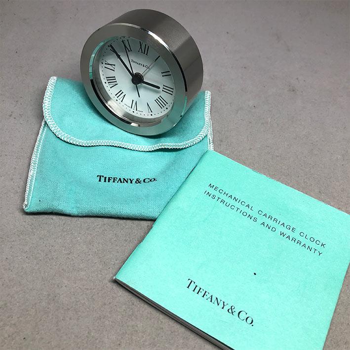 นาฬิกาตั้งโต๊ะ TIFFANY  Co ตัวเรือนสแตนเลสสตีล ระบบใส่ถ่าน ใหม่มาพร้อมถุงและใบการันตี