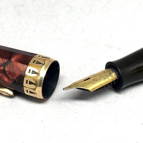 ปากกาหมึกซึม WAHL EVERSHARP doric USA 1940 ตัวด้ามเรซิ่นลายหิน ชุดประดับชิ้นปลอกบน และเหน็บเคลือบทอง 2