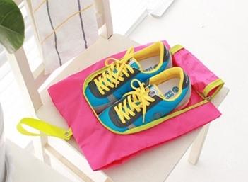 (Sale พร้อมส่ง) กระเป๋าจัดระเบียบ Bag In Bag สีชมพู สำหรับใส่รองเท้า แยกได้เป็นสัดส่วน หยิบใช้สะดวก