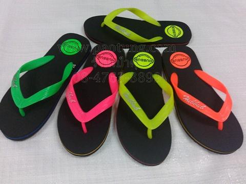 รองเท้าแตะฟองน้ำหูคีบพื้นดำสีสะท้อนแสง Hubbub st-7 ขายส่ง