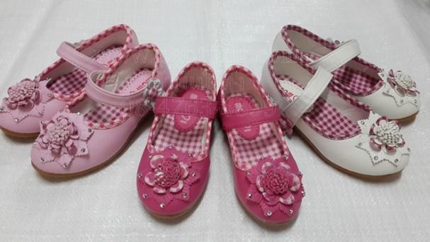 รองเท้าแตะแฟชั่นคัชชูเด็กสีชมพู สีขาว สีแดง ขายส่ง
