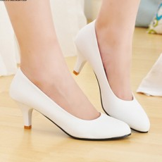 รองเท้าแฟชั่นส้นสูงสีขาว,คัชชูสีขาว ขายส่งยกโหล