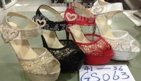 รองเท้าแฟชั่นส้นสูงสไตล์ผ้าลูกไม้ขายส่ง/คู๋ละ 320 บาท