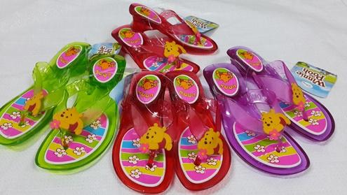 รองเท้าแฟชั่นเด็กส้นแก้วยางหมีพูห์ขายส่ง