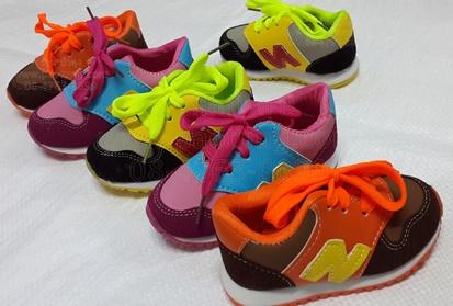รองเท้าผ้าใบเด็กสไตล์ นิวบาลานซ์ New Balance ขายส่ง