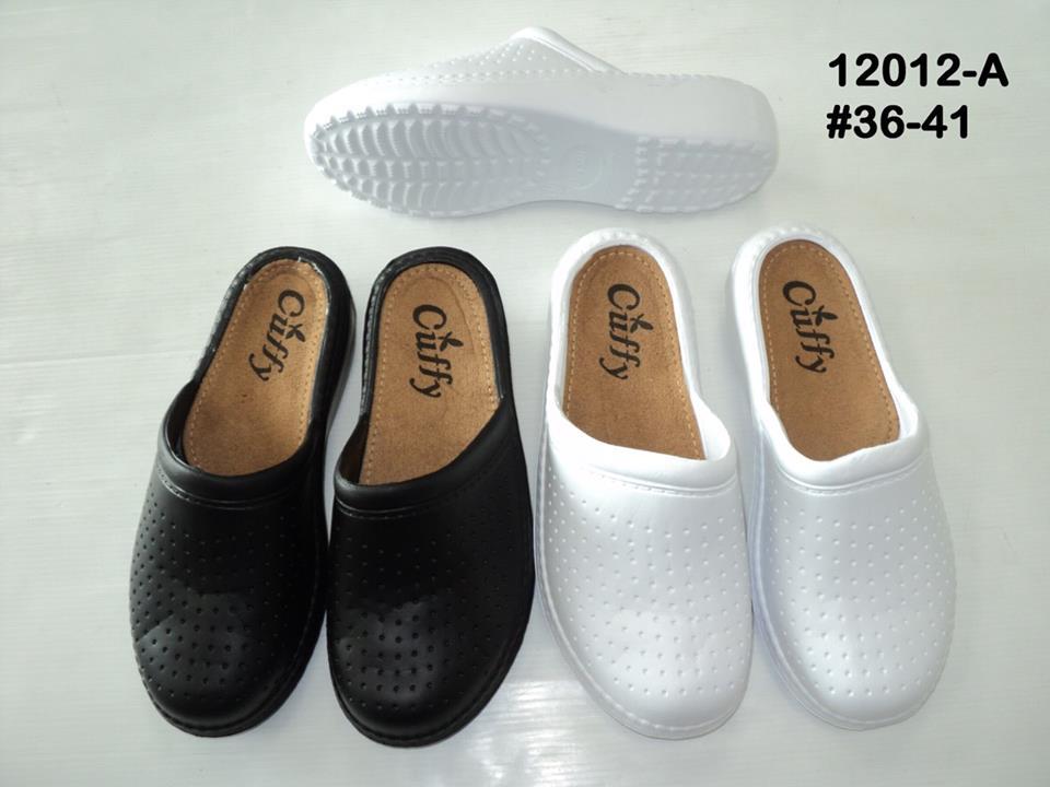 รองเท้าแตะแบบสวมสีดำ-สีขาว ขายส่ง