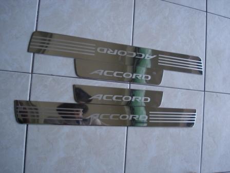 ชายบันได Accord 03